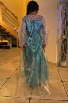 La robe est terminée : vue de dos