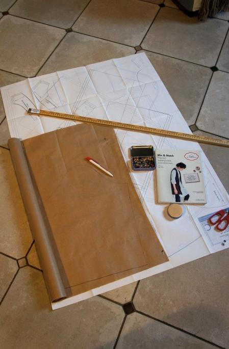 1ère étape: reprendre les patrons fournis dans le livre de Yuko Sato. J'ai opté pour une tunique ouverte sur le dos.