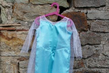 La robe de la reine des neiges, 3ème version