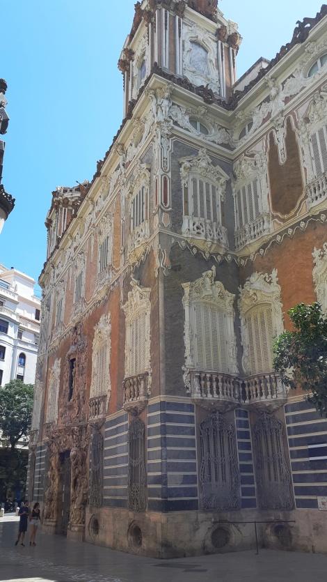 Valence18